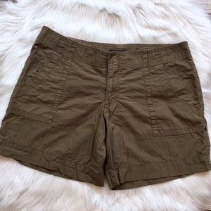GAP Lightweight Olive Green Shorts